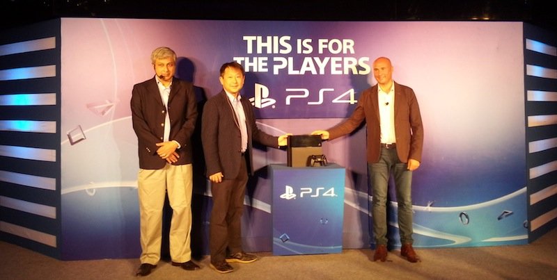 L-R Atindriya Bose - Country Head, PlayStation India, Kenichiro Hibi - MD, Sony India & Robert Fisser - VP, SCEE (ME, Turkey, Africa & India)