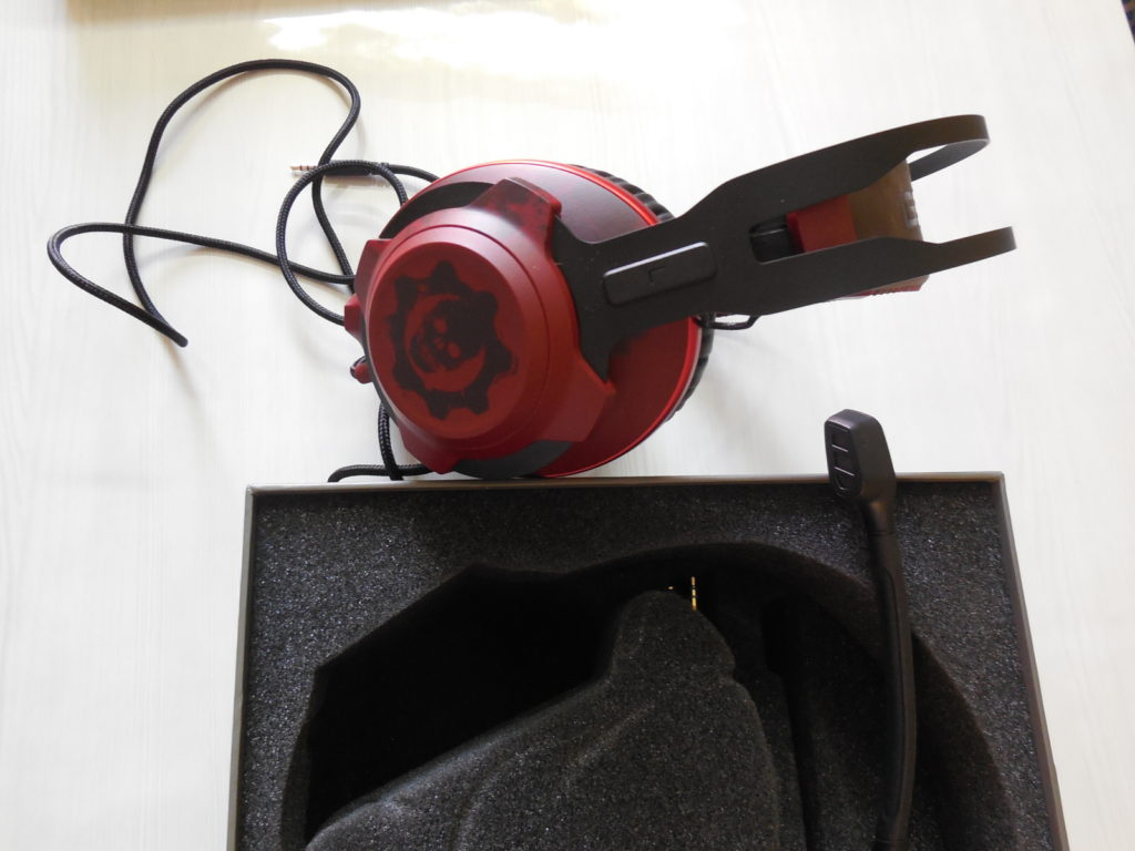 Kingston HyperX Gears of War Headset 1